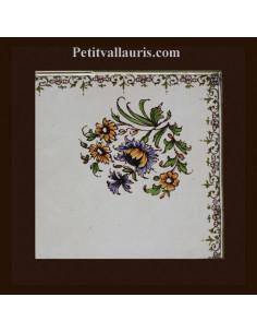 Carreau angle fleuri haut droit décor Tradition Vieux Moustiers