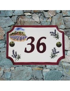 Plaque de Maison rectangle décor récolte des lavandes et brins de lavande inscription personnalisée rose foncée