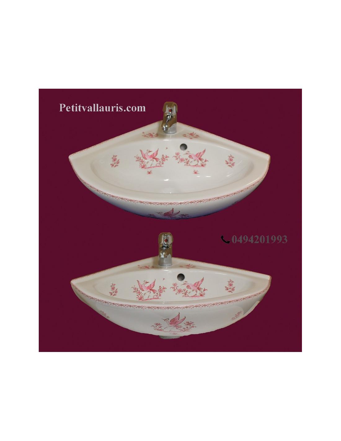 lave main d 39 angle en porcelaine blanche d cor motifs tradition vieux rose le petit vallauris. Black Bedroom Furniture Sets. Home Design Ideas