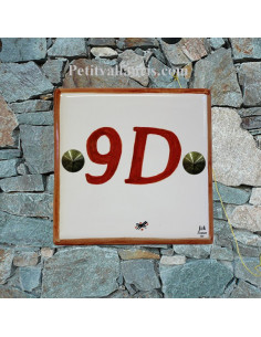 Numéro de maison chiffre et bord orange pose horizontale