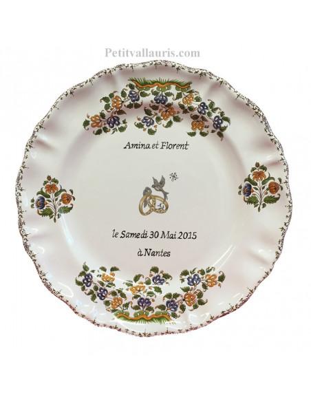 Assiette cadeau et souvenir de mariage modèle Louis XV personnalisable motif tradition fleurs polychrome