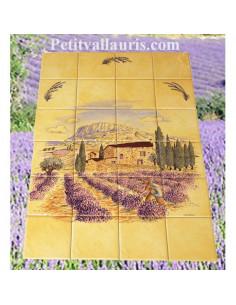 Fresque faïence Haute Provence sur fond jaune et lavande