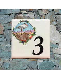 Numéro de Maison pose horizontale décor cigogne alsacienne sur son nid