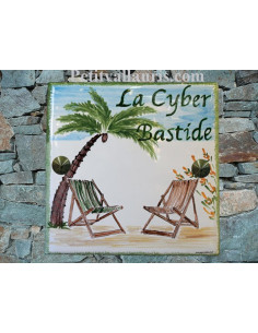 Grande plaque de maison en céramique modèle carrée motif artisanal cocotier et chaises longues + texte personnalisée