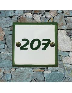 Numéro de maison chiffre ou lettre et bord vert pose horizontale