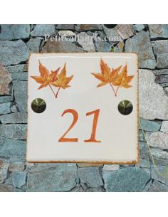 Numéro de Maison pose horizontale décor feuille érable japonais texte orange