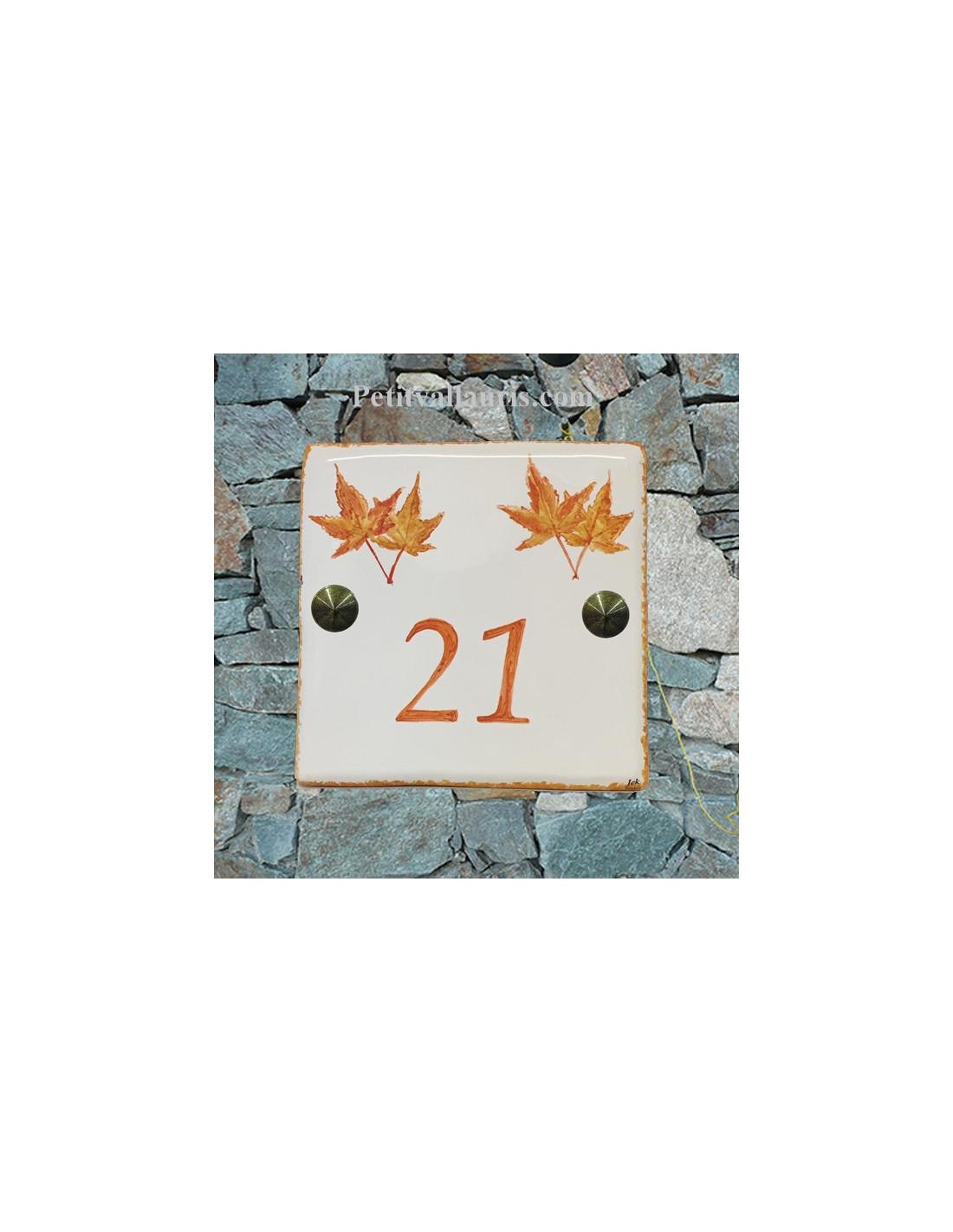 num ro de maison pose horizontale d cor feuille rable japonais texte orange le petit vallauris. Black Bedroom Furniture Sets. Home Design Ideas