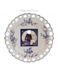 Assiette d'anniversaire en faience modèle Tournesol avec photo personnalisée décor Fleur bleue