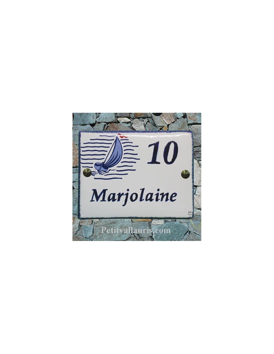 plaque pour maison c ramique d cor voilier stylis bord et inscription personnalis e bleue le. Black Bedroom Furniture Sets. Home Design Ideas