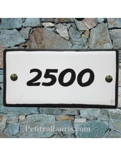 Plaque numéro de maison faience émaillée blanche bord et texte noir inscription personnalisée