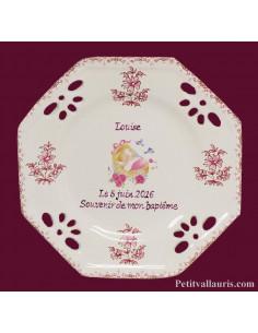 Agrandir l'image Assiette octogonale ajourée pour baptême fille décor couffin rose