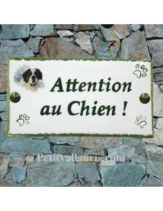 Plaque rectangulaire de maison en céramique motif chien berger des pyrénées