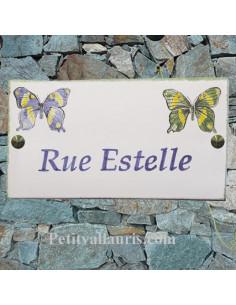 Plaque de villa rectangle décor papillons avec personnalisation du texte en parme