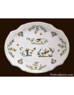 Plat ovale en faience modèle Louis XV décor reproduction Vieux Moustiers polychrome