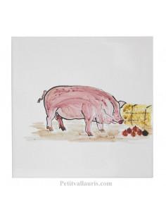 Carreau mural taille 15 x 15 cm avec motif artisanal cochon rose