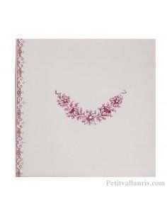 Carreau motif frise et guirlande de fleurs reproduction Vieux Moustiers rose