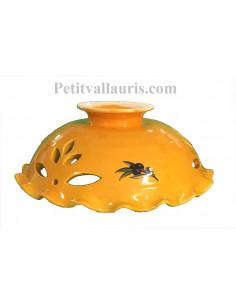 Suspension ajourée et dentellée en céramique artisanale fond jaune provençal motif Olives noires modèle unique en promotion