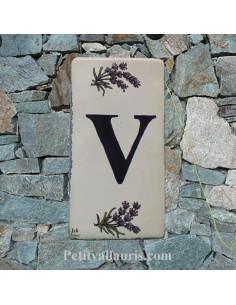 Plaque en faience Lettre (V) au détail en céramique décor Brin de Lavande