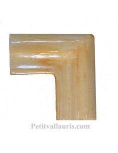 Listel d'angle modèle corniche en faience émaillée couleur unie jaune ocre