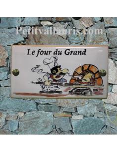 Plaque pour maison en céramique modèle rectangle 14 x 28 cm décor four à pizza et pizzaiolo + inscription personnalisée