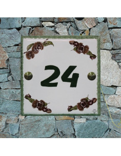 Plaque numéro de maison en faience émaillée motifs chataignes + chiffre personnalisé vert