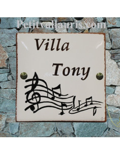 Grande plaque de maison en céramique modèle carrée motif artisanal notes de musique + texte personnalisé