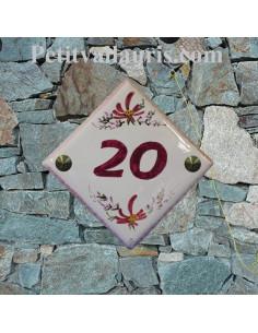 Plaque numéro de maison en faience émaillée motif artisanal fleurs roses + chiffre personnalisé vert