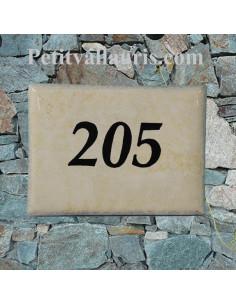 plaque pour maison en céramique émaillée fond de couleur jaune paille + gravure personnalisée