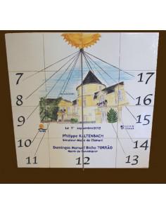 Cadran solaire décoratif sur carreaux de faïence décor artisanal de l'hotel de ville de Clamart 60x60