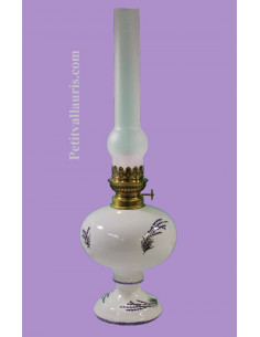 Lampe bec à pétrole émaillée blanche décor provençal brins de lavande (montage au choix)