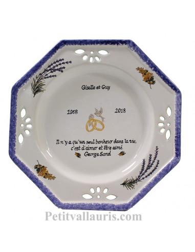 Grande assiette souvenir Mariage modèle octogonale gravure personnalisée motif mimosas + lavandes