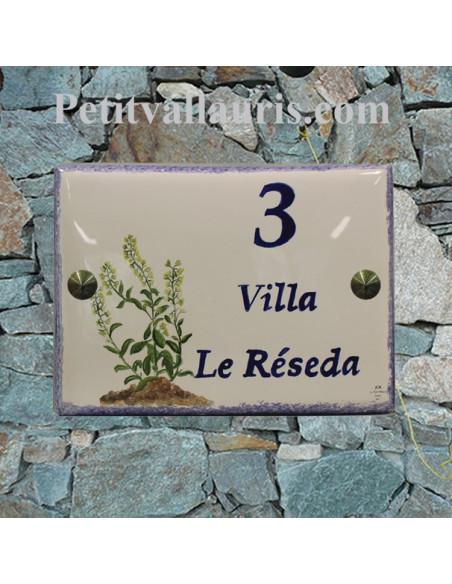 plaque de maison céramique décor artisanal plantes herbacées à fleurs résada + inscription personnalisée
