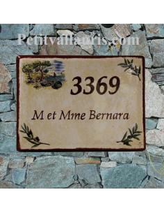 Plaque de maison céramique décor calanque et brins d'olives + fond jaune pierre + inscription personnalisée