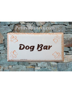 Plaque rectangulaire de maison en céramique Dog Bar