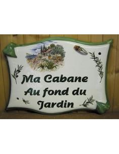 Plaque de maison parchemin en céramique cabanon et cigale en relief