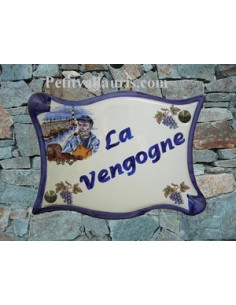 Plaque de maison parchemin en céramique Pêcheur Breton et Grappe de raisin