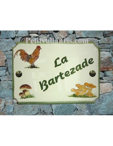 Grande plaque de villa en faience motif artisanal Coq et Champignons cépes et girolles avec personnalisation