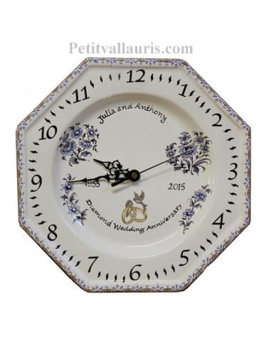 Horloge modèle octogonale souvenir de mariage décor tradition vieux moustiers bleu