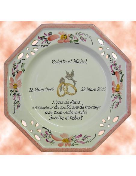 Grande assiette anniversaire de Mariage modèle octogonale décor fleurs saumons + poème noces de rubis