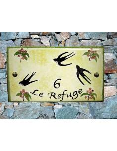Plaque pour maison en céramique émaillée décor Hirondelle