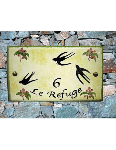 Plaque en céramique émaillée forme rectangle décor artisanal les hirondelles + inscription personnalisée