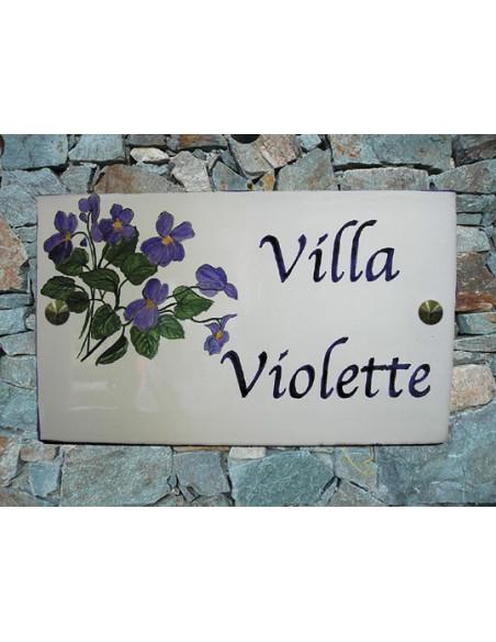 Plaque pour maison en faïence décor Les Violettes