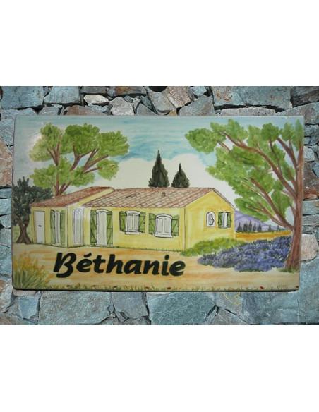 Plaque en céramique émaillée forme rectangle décor artisanal villa provençale + personnalisation