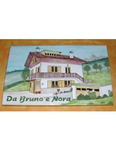 Plaque de maison en céramique émaillée décor Chalet de Montagne