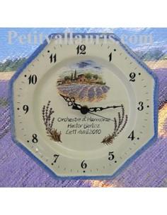 Horloge en faïence octogonale décor champs de lavande personnalisé