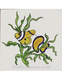 Carreau décor poisson exotique et algues n°8 15 x 15 cm