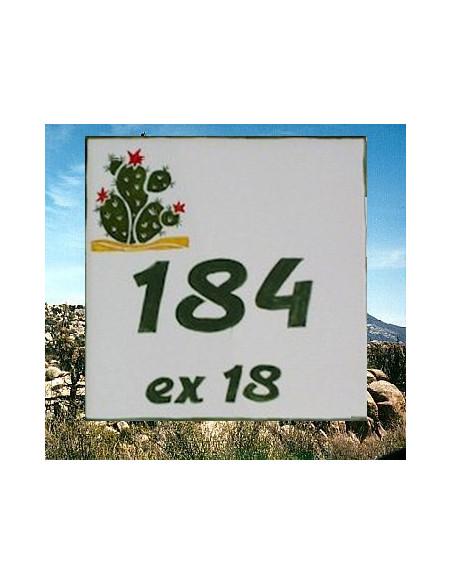 Plaque numéro de Maison en faience motif artisanal cactus figues de barbarie + chiffre personnalisé vert