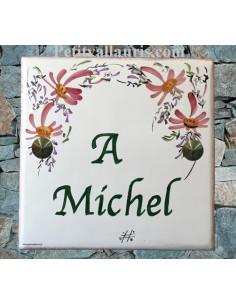 Plaque funéraire en céramique décor fleurs rose texte vert