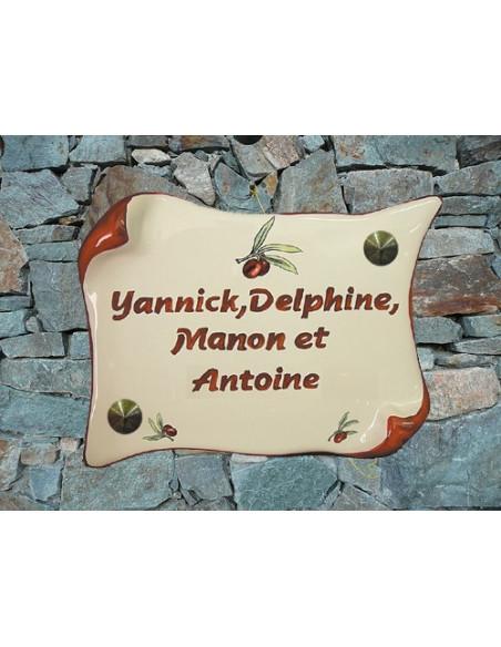 Plaque de Maison en faience modèle parchemin motif olives rouges + inscription personnalisée