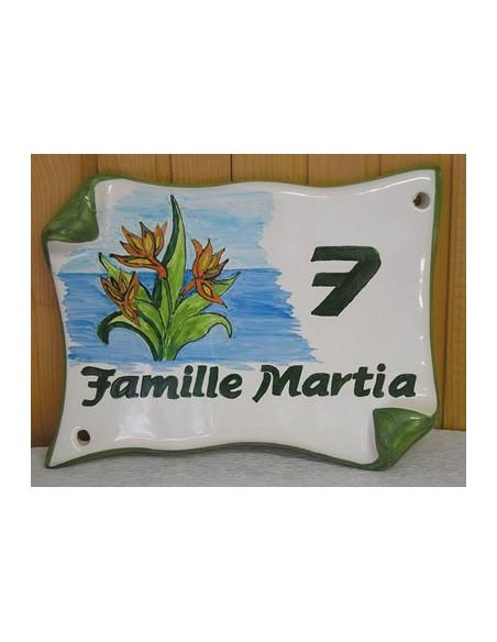 Plaque de Maison en faience modèle parchemin motif artisanal strelitzia + inscription personnalisée